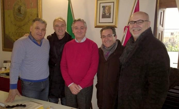Capodrise - Il sindaco con la nuova Giunta (20.01.15)
