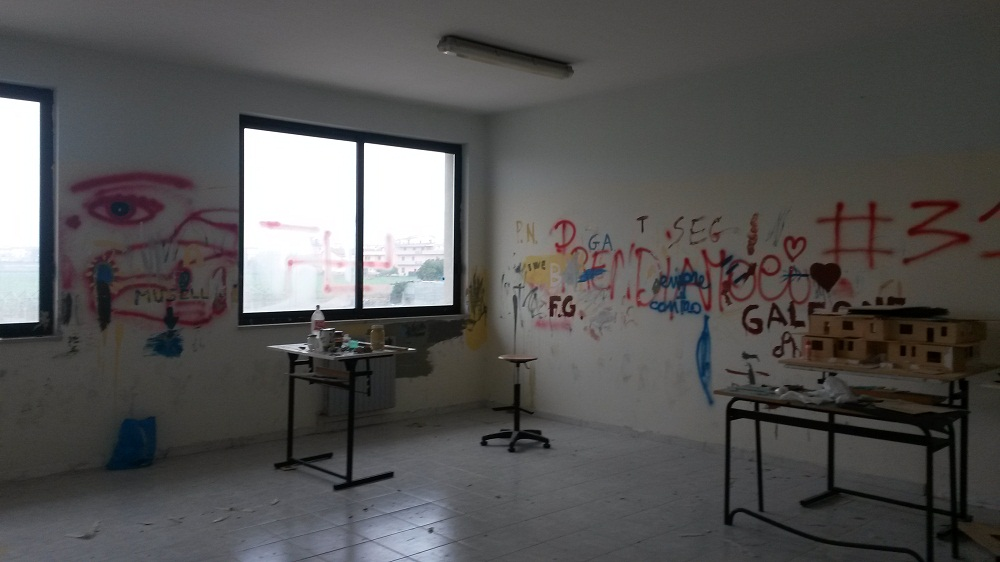 Liceo Nevio vandali (3)