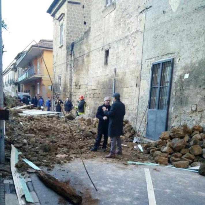 Marcianise – Crollo palazzo via San Giuliano 2