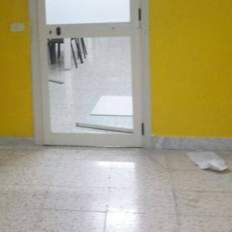 Cesa – scuola vandalizzata 2