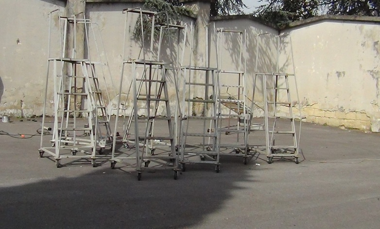 Aversa riparazione scale cimitero