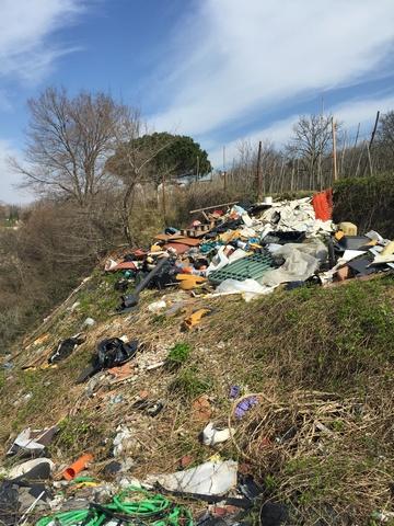 Napoli – discarica Campi Flegrei  (1)