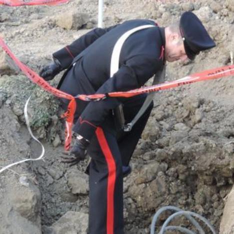 Carabinieri scavo