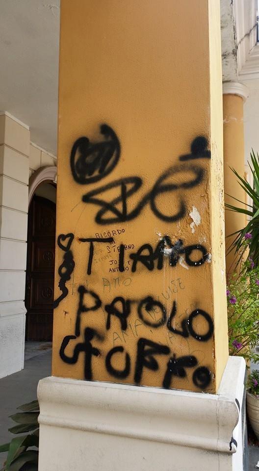 Gricignano – Graffiti Municipio (1)