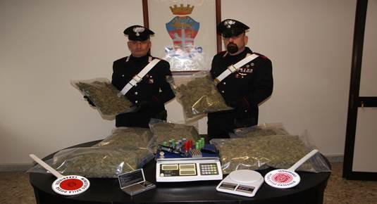 Trentola – In auto con sette chili di marijuana, arrestati (1)