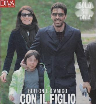 gigi_buffon e ilaria d'amico con figli