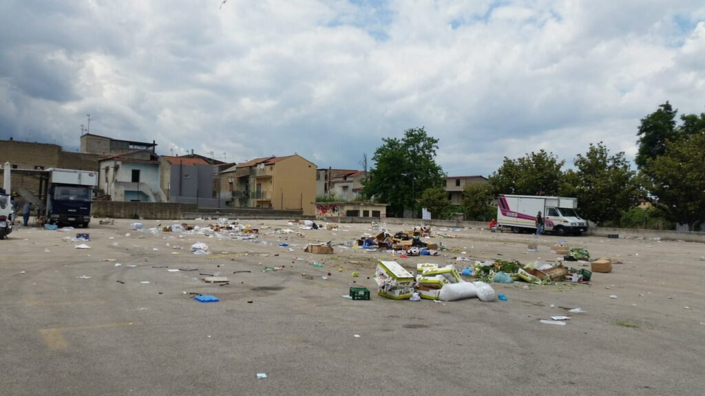 Gricignano – area mercato rifiuti (13)