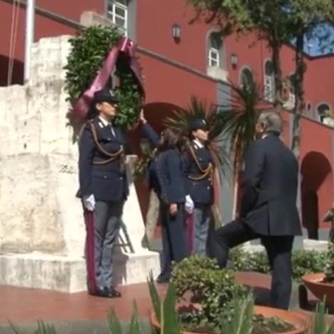 Napoli – Polizia celebra i suoi caduti