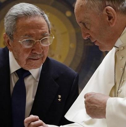 Papa Francesco e Raul Castro