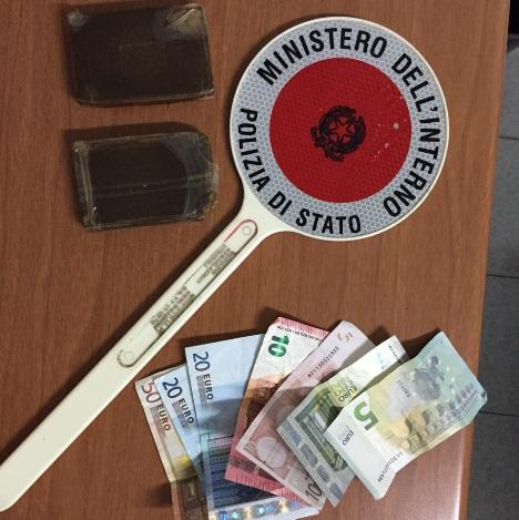 Polizia – hashish e soldi