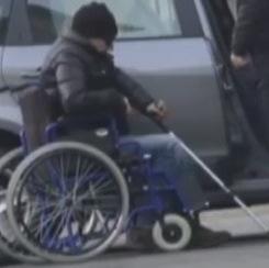 medico finto paraplegico