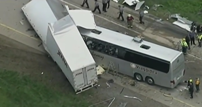 Usa – bus italiano incidente (13)