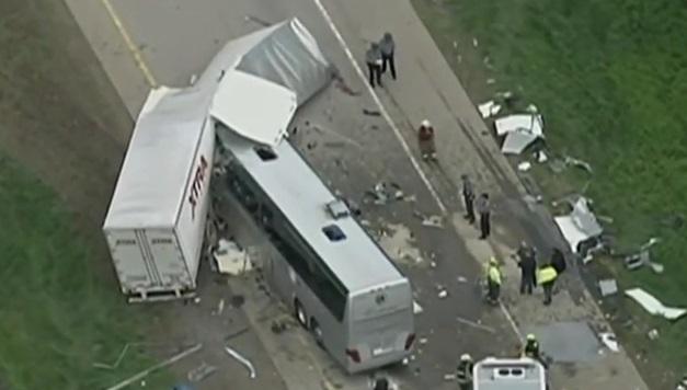 Usa – bus italiano incidente (14)