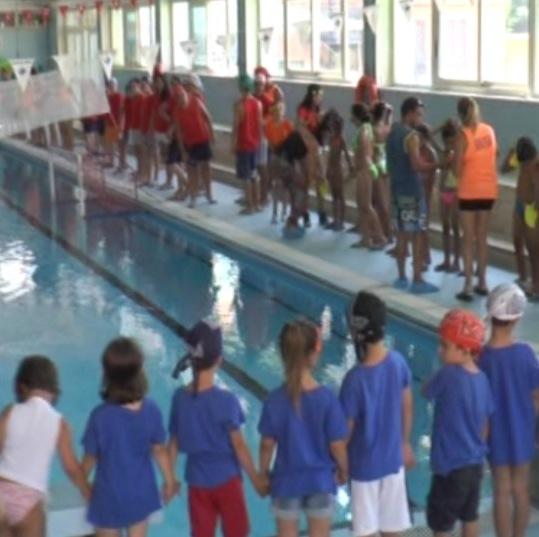 Napoli i bambini del saharawi alla piscina collana - Piscina san marcellino ...