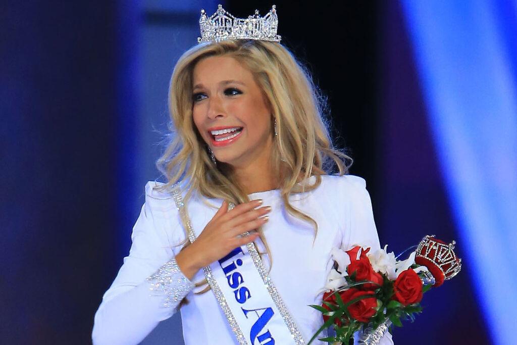 Kira Kazantsev, Miss New York Crowned Miss America 2015