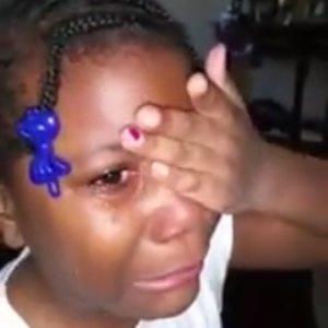 bambina piange obama