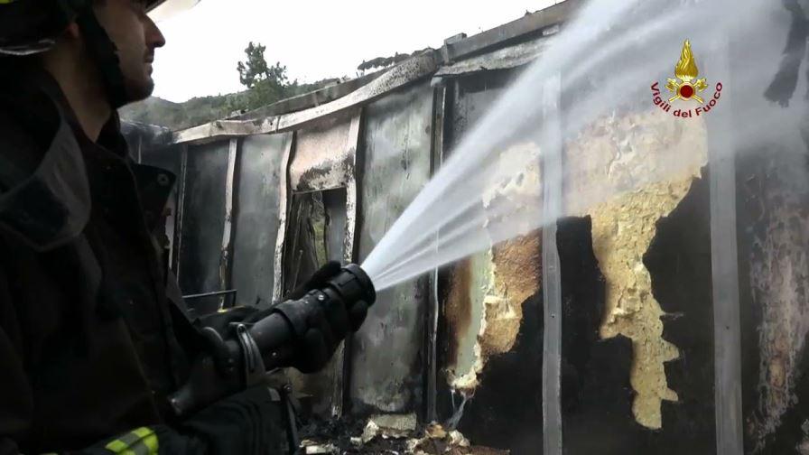 cogoleto incendio tubighisa (3)
