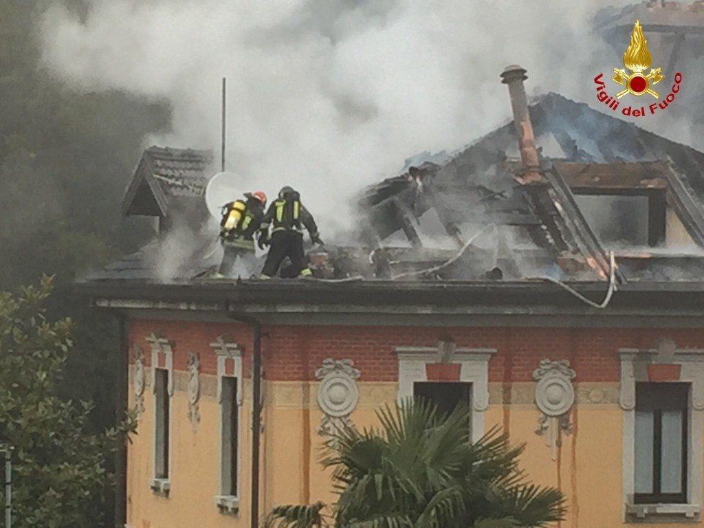 varese incendio villa liberty (4)