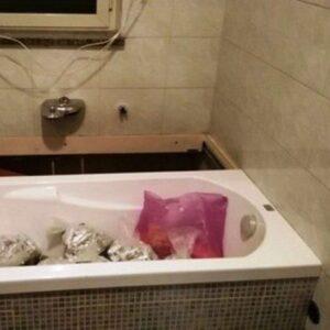 Caivano 15 chili di hashish sotto vasca da bagno arrestata - Droga dei sali da bagno ...