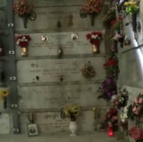 cimitero luci spente