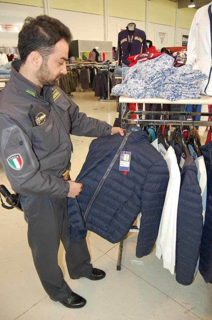 falso outlet (7)