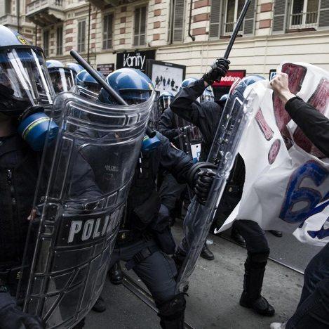 polizia scontri