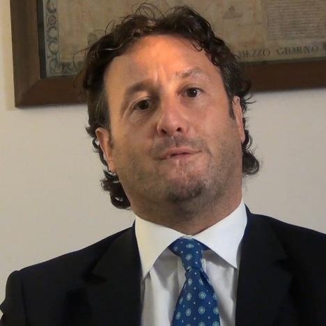 Alfonso Oliva