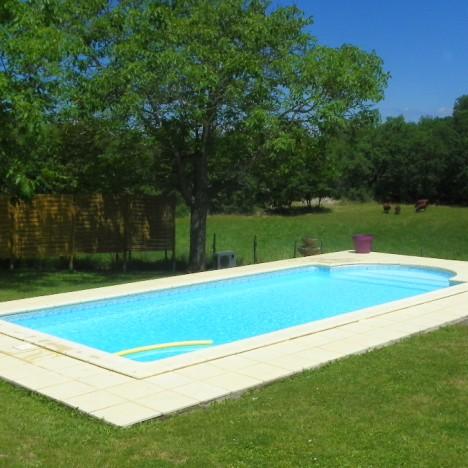 Brescia bimbo di 2 anni cade in piscina e muore - San marcellino piscina ...