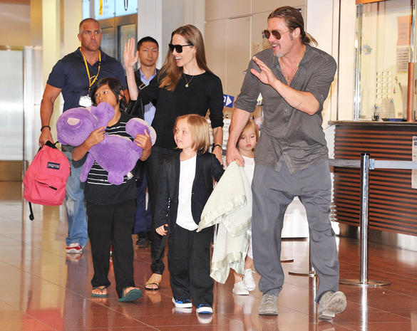 Angelina Jolie And Brad Pitt Arrive In Tokyo