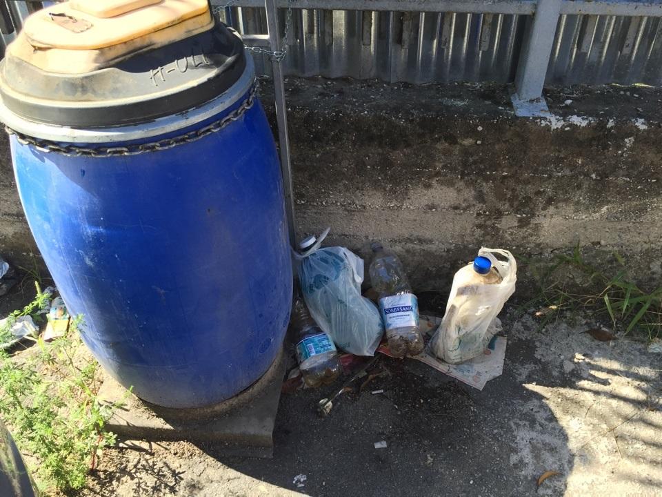 trentola scuola rifiuti (2)
