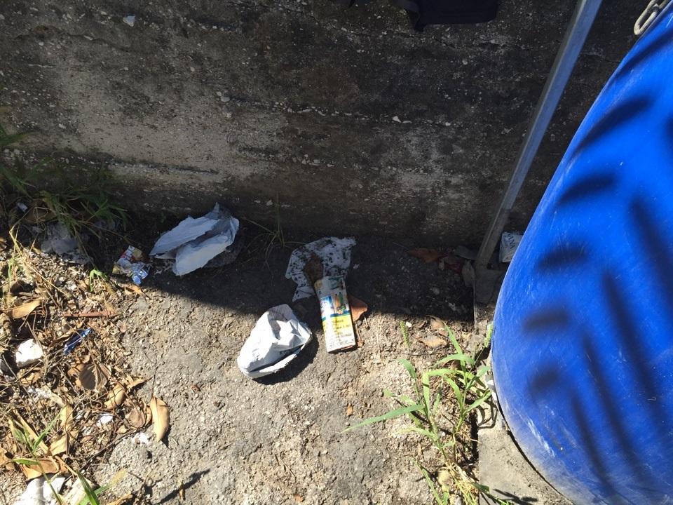 trentola scuola rifiuti (4)