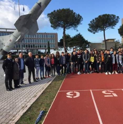 il De Amicis group con gli ufficiali dell' accademia