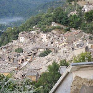 Terremoto nuovo decreto per accelerare ricostruzione for Quanti soldi ci vuole per costruire una casa