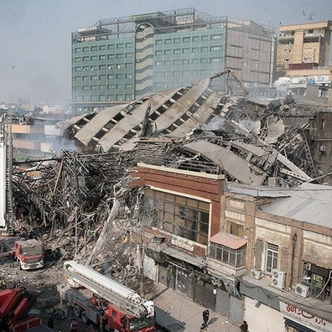 Crolla palazzo di 17 piani morti pi di 20 pompieri for Piani di hot house