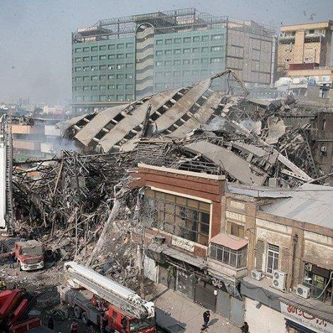 Teheran palazzo crollato