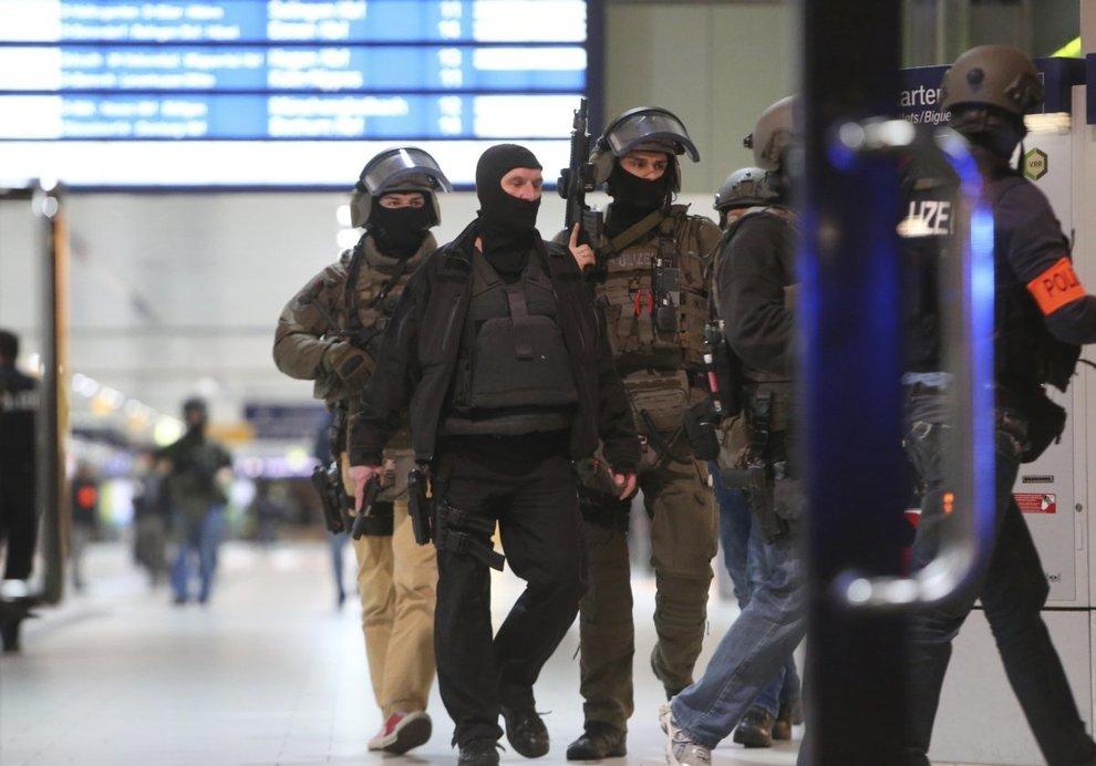 dusseldorf metropolitana attentato