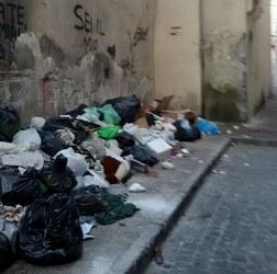 aversa santa maria piazza rifiuti (3)