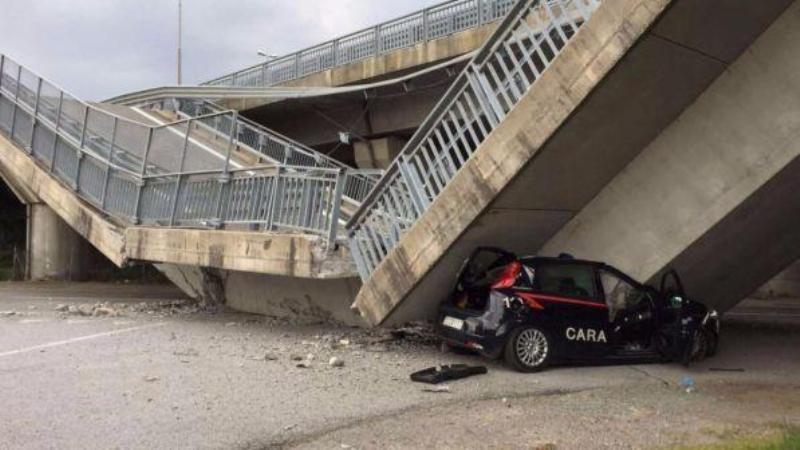 Cavalcavia crolla su un'auto dei carabinieri