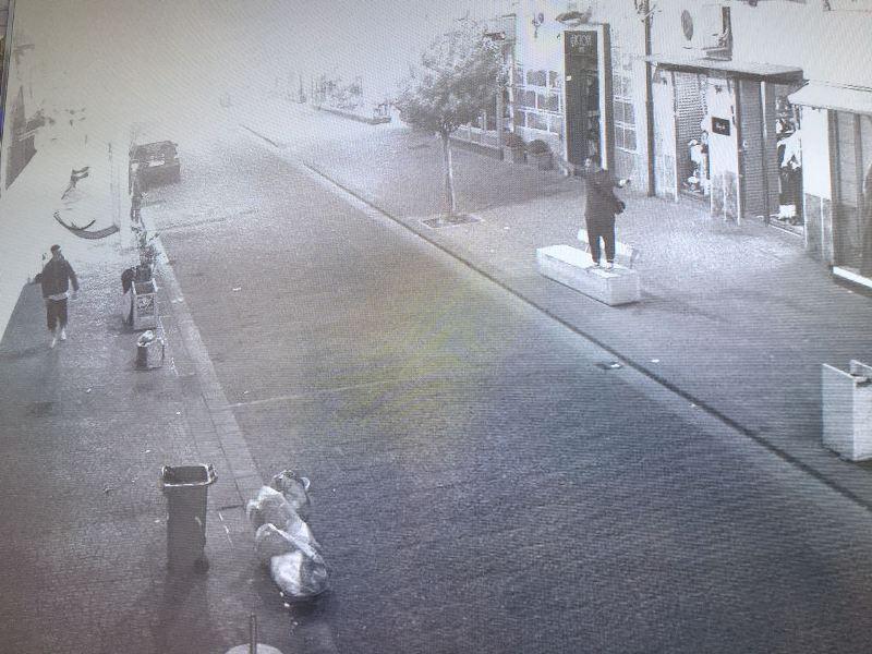 immagini da telecamere di videosorveglianza via Roma (3)