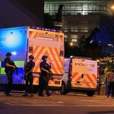 polizia ambulanza inghilterra
