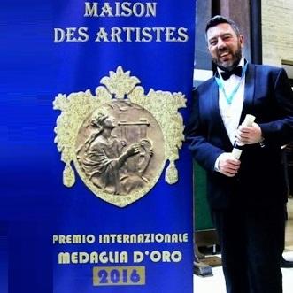 Maestro Dellisanti riceve la medaglia d'oro