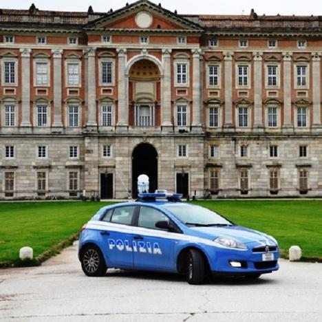 polizia reggia di caserta