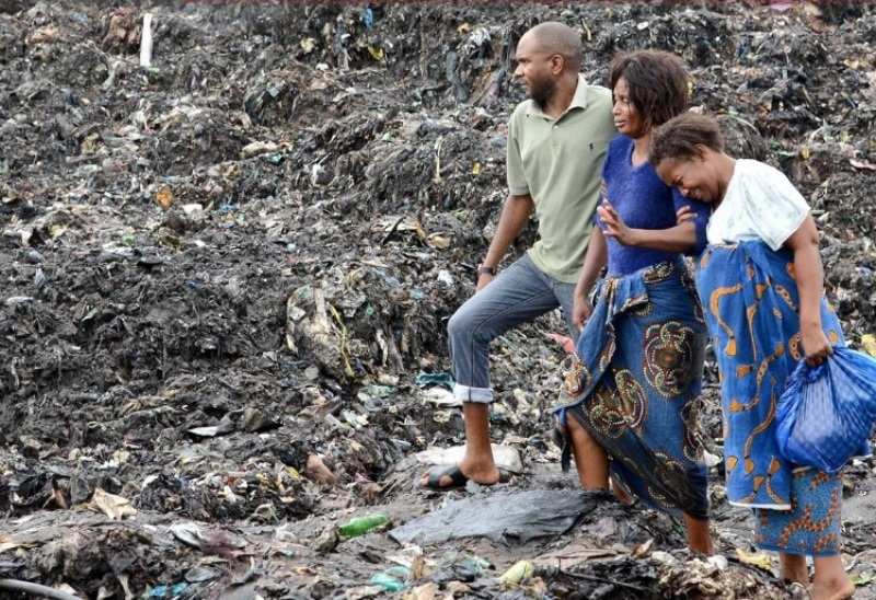 mozambico crollo rifiuti (2)