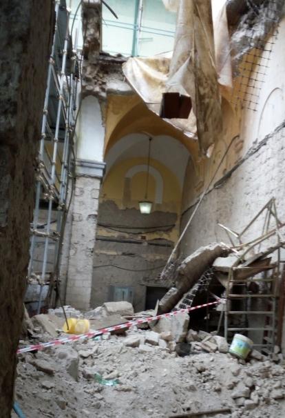 crollo monastero napoli (3)
