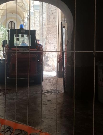 crollo monastero napoli (6)