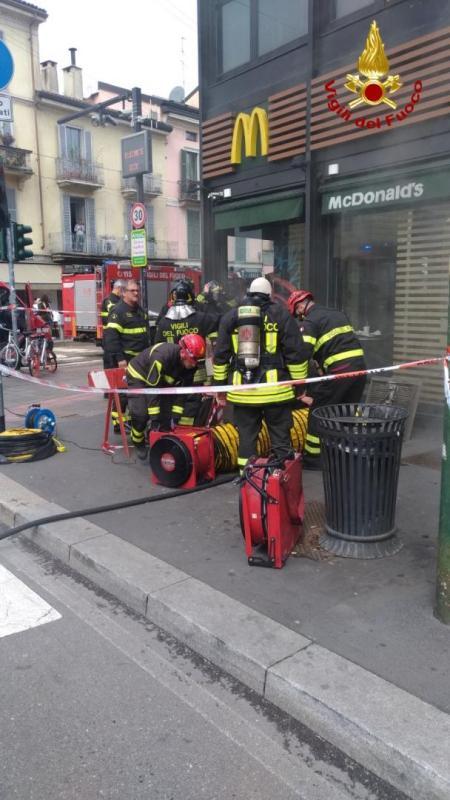 incendio mcdonald milano (1)