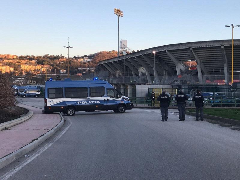 reparto polizia-stadio