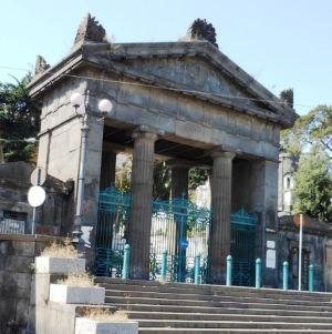 ingresso-cimitero-di-poggioreale-napoli