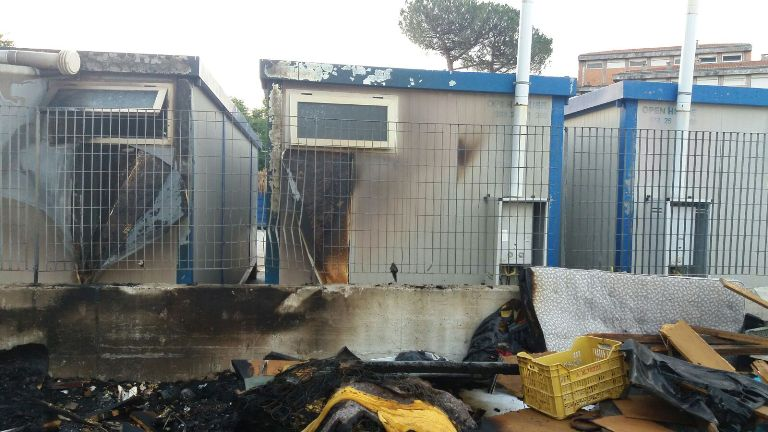 incendio isola ecologica aversa (1)