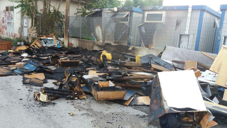 incendio isola ecologica aversa (2)